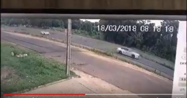 Vídeo mostra carros em alta velocidade antes de acidente na BR 343