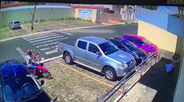 Ladrão se atrapalha ao tentar fazer assalto na zona leste de Teresina