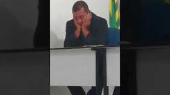 Vereador dorme durante sessão na Câmara no Piauí