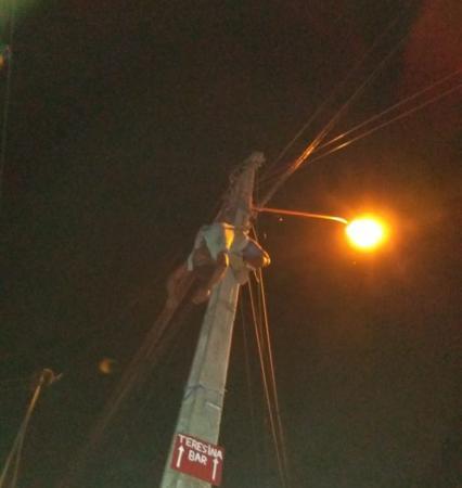 Homem morre eletrocutado em poste na zona leste de Teresina